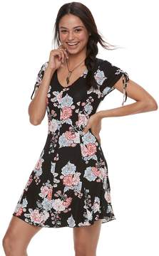 Love, Fire Love Fire Juniors' Floral Swing Dress