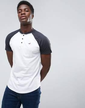 Hollister Henley T-Shirt Slim Fit Baseball Raglan in White Blocking