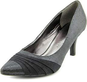 Karen Scott Womens Gladdys Crocodile Pointed Toe Classic Pumps.