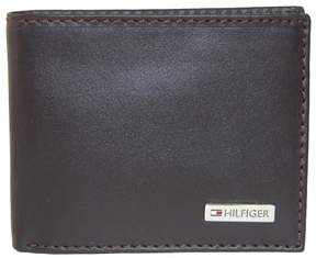 Tommy Hilfiger Men's Leather Fordham Passcase Billfold Wallet, Brown