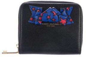 Marc Jacobs Bow Compact Wallet - BLACK - STYLE