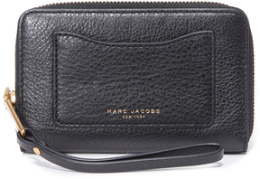 Marc Jacobs Recruit Zip Phone Wristlet - BLACK - STYLE