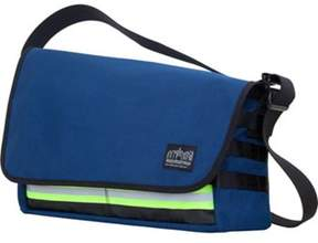 Manhattan Portage Unisex Trinity Messenger Bag (medium).
