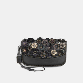 COACH CLUTCH IN GLOVETANNED LEATHER WITH TOOLED TEA ROSE - BLACK COPPER/BLACK