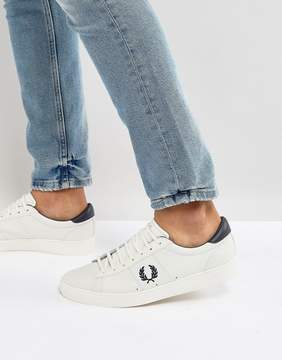 Fred Perry Spencer Leather Sneakers in White With Contrast Laurel