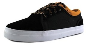 DVS Shoe Company Aversa Round Toe Suede Skate Shoe.