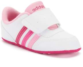 adidas Baby Girls' V Jog Crib Shoes