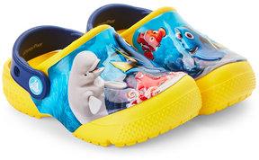 Crocs Toddler/Kids Boys) Finding Dory Crossband Clogs