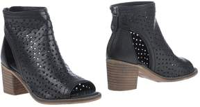 Kelsi Dagger Ankle boots