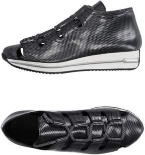 Miista Sneakers