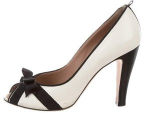 Marc Jacobs Leather Bow-Accented Pumps