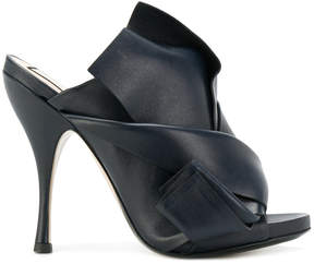 No.21 twisted bow design mules