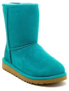 UGG Genuine Sheepskin Classic Short Boot (Little Kid & Big Kid)