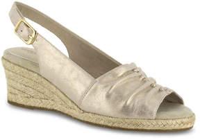 Easy Street Shoes Women's Kindly Wedge Sandal