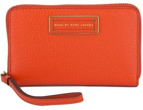 Marc by Marc Jacobs Marc Jacobs Red Too Hot To Handle Wingman (New with Tags) - ONE COLOR - STYLE