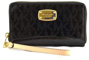 Michael Kors Large Flat Multifunction Phone Case Wallet Wristlet in Black - BLACK - STYLE