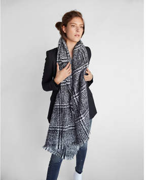 Express textured blanket scarf