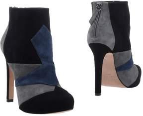 Pura Lopez Ankle boots