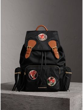 Burberry The Large Rucksack in Pallas Heads Appliqué - BLACK - STYLE