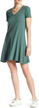 C&C California Arden Short Sleeve V-Neck Trapeze Dress