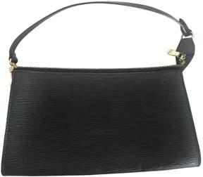 Louis Vuitton Pochette Accessoire leather handbag - BLACK - STYLE