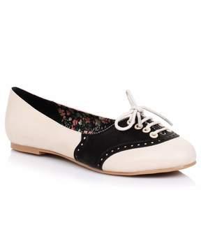 Unique Vintage Cream & Black Retro Halle Oxford Saddle Shoes