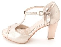 Giani Bernini Khloee T-strap Heeled Sandals.
