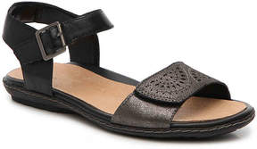 Earth Women's Star Flat Sandal