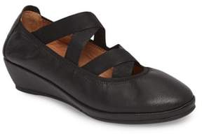 Gentle Souls by Kenneth Cole Natalie Ballet Wedge