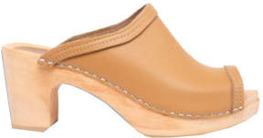 Cape Clogs Women's Flicka Tan Clog