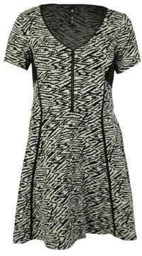 Jessica Simpson Women's Textured Zebra Dress (1X, White Smoke)