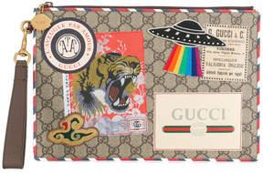 Gucci GG supreme applique pouch