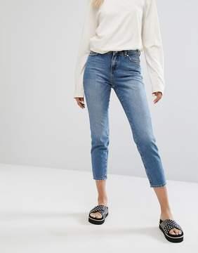 Noisy May Seam Detail Jean With Faded Pocket