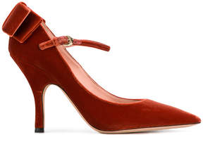 Rochas bow pumps