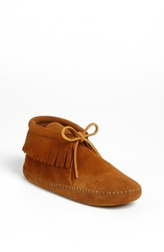 Minnetonka Girl's 'Classic Fringe' Boot