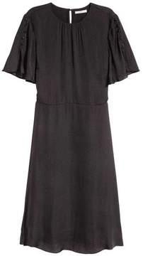 H&M Short-sleeved Dress