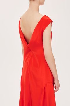 Boutique V-back silk dress