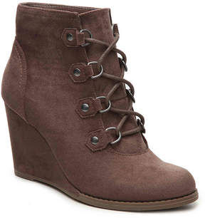 Madden-Girl Women's Gale Wedge Bootie