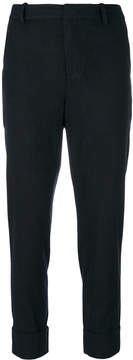 Closed tapered trousers