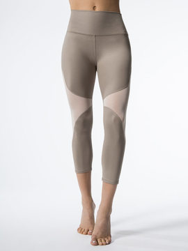 Alo Yoga High-Waist Coast Capri