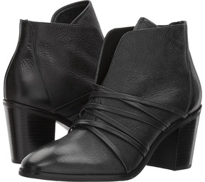 Bernardo Felicity Women's Dress Pull-on Boots
