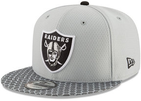 New Era Boys' Oakland Raiders 2017 Official Sideline 9FIFTY Snapback Cap