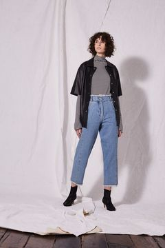Boutique Twisted fray hem jeans