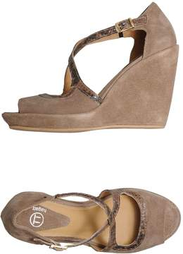 Bagatt Wedges