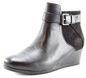 Giani Bernini Women's Chelseaa Round Toe Leather Ankle Boot.