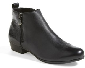 Munro American Women's 'Lexi' Boot