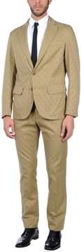 Montedoro Suits