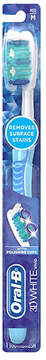 Oral-B Advantage 3D White Toothbrush Medium
