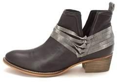 Diba TRUE True Womens Sly Fox Leather Almond Toe Ankle Fashion Boots.