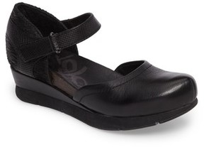 OTBT Women's Companion Mary Jane Wedge